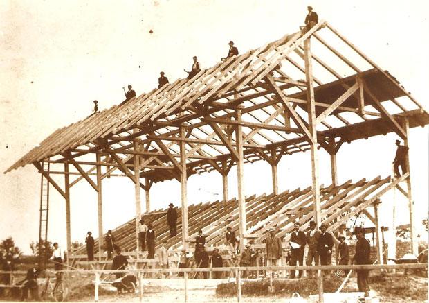 Fotó: Épül a Levente (ma Városi) sporttelep (Ismeretlen fotós képe 1927-ből. Asbóth M. gyűjt.)