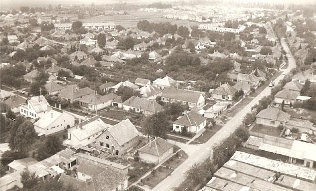 Fotó: Középsőkert városrész az 1970-es évek végén (Fotó Rádi György. Asbóth M. gyűjt.)
